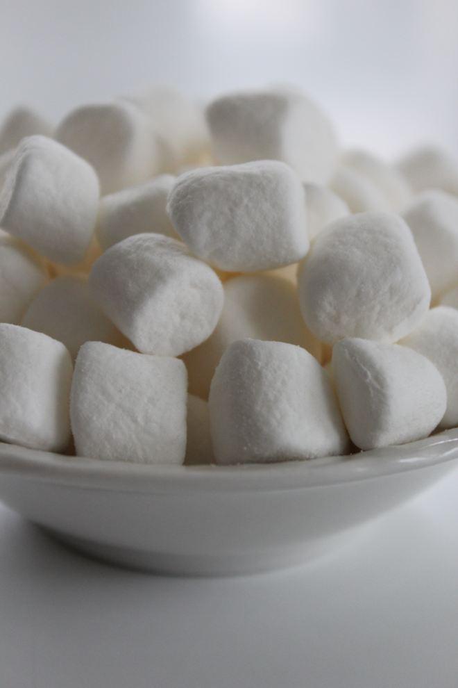 Marshmallows in a bowl | rebecca-freeman-559256-unsplash