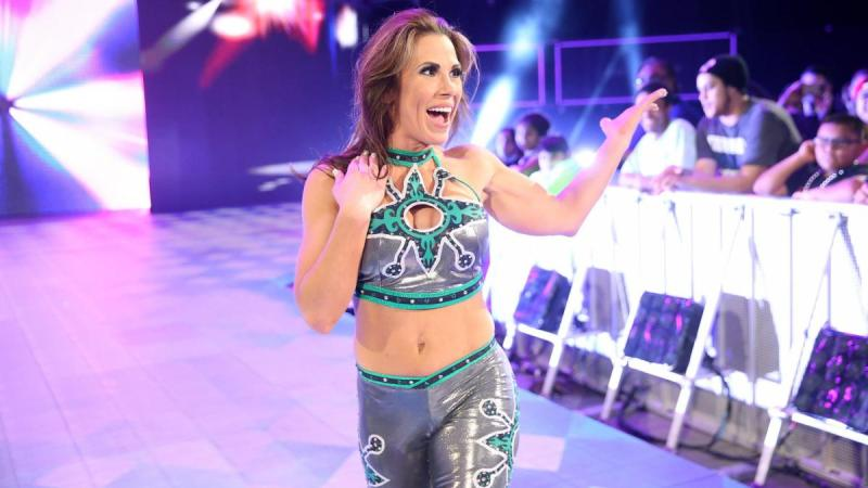 Mickie James will need to undergo knee surgery