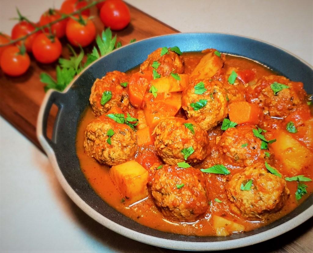 קציצות עוף ברוטב עגבניות דל בפודמאפ Low FODMAP chicken meatballs in tomato sauce
