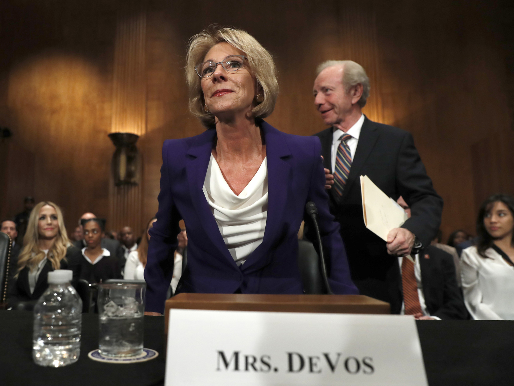 DeVos finalizes ethics disclosure ahead of confirmation vote