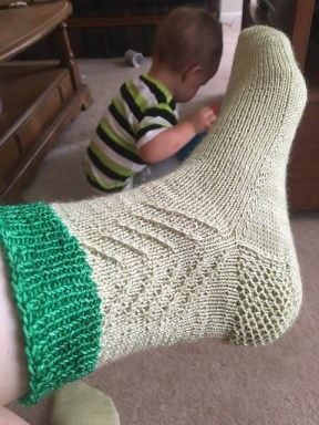 20170603_knit_frasier-fir-socks__3__medium2