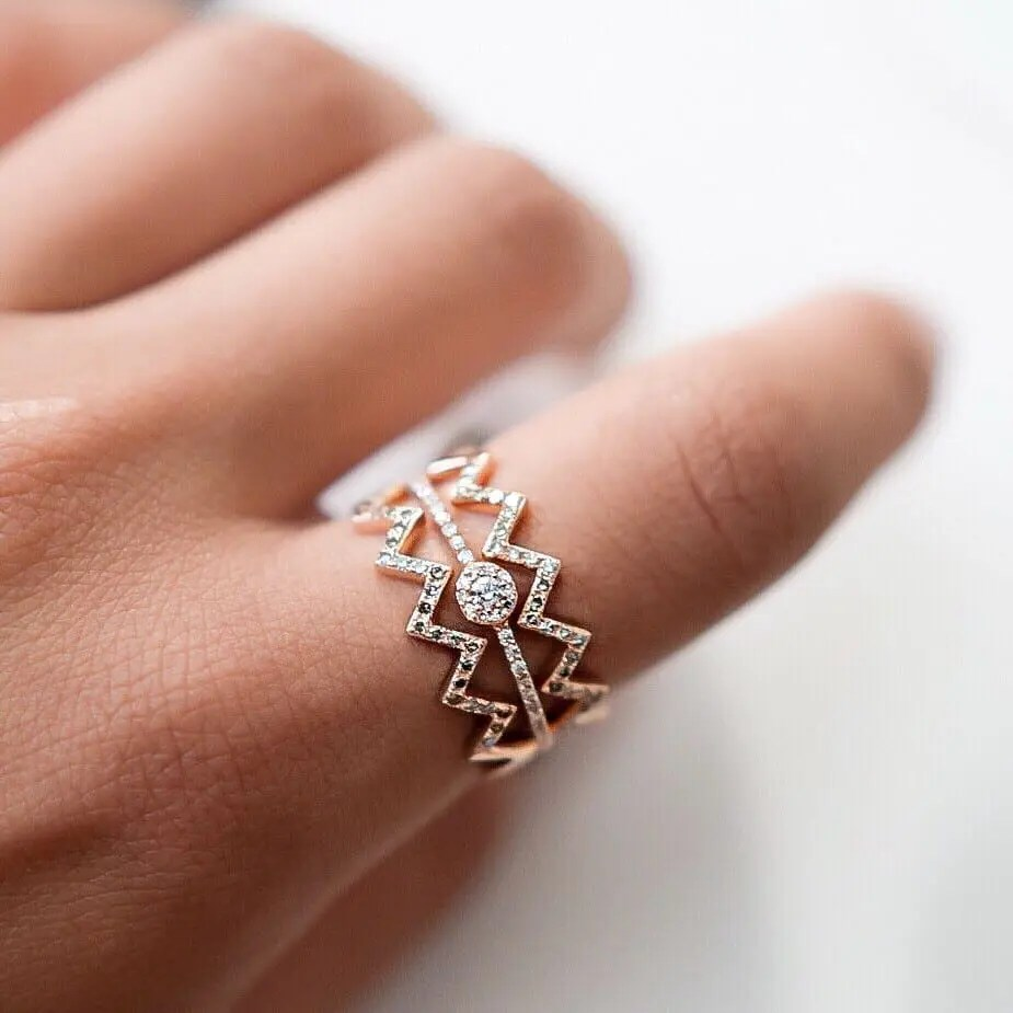 Diamond Zig-Zag Ring