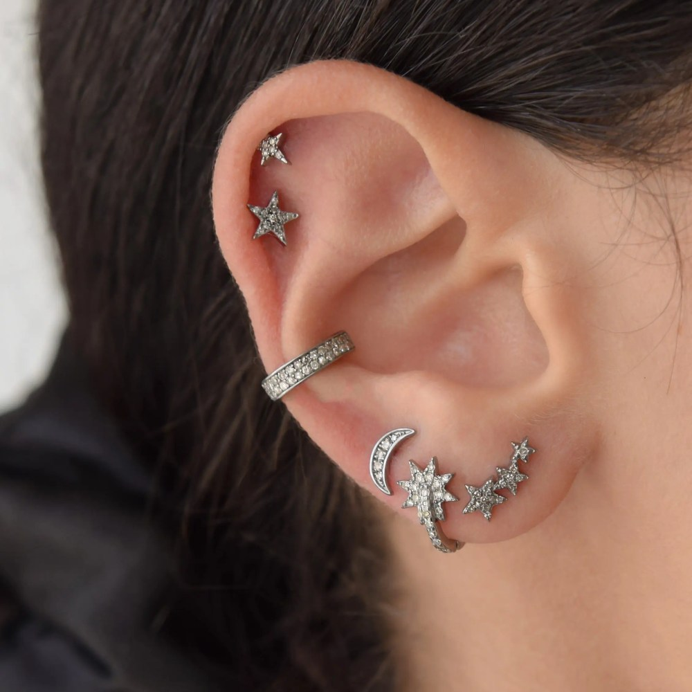 Diamond Mini Star Earringsq