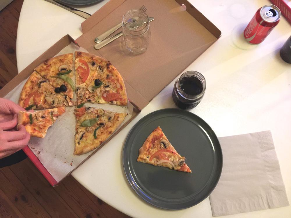 14-pizza-dinner