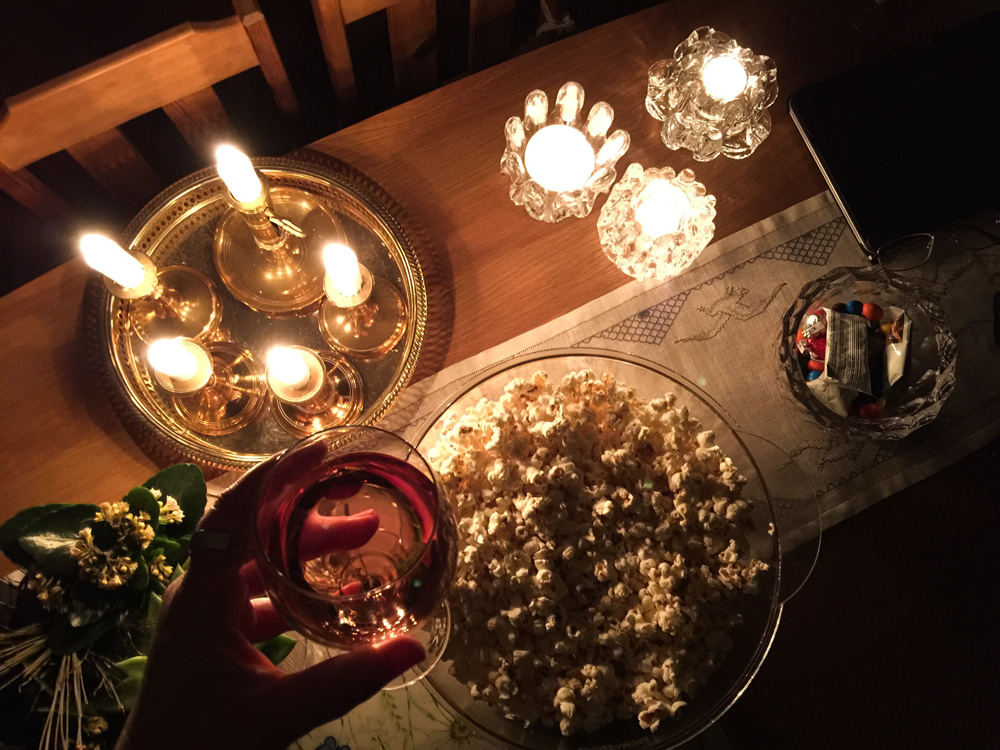 7-power-out-blackout-cozy-candles