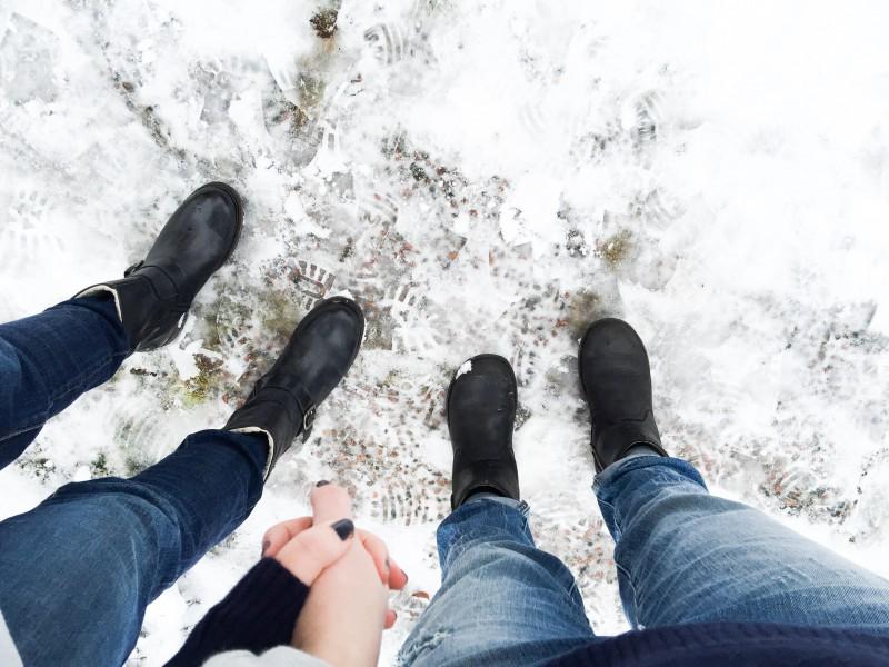 lina me feet snow