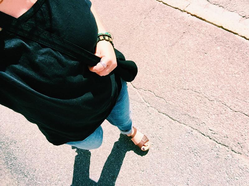 me-sandals-walking