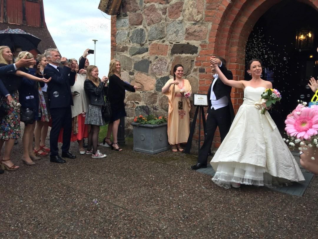 wedding-church-outside