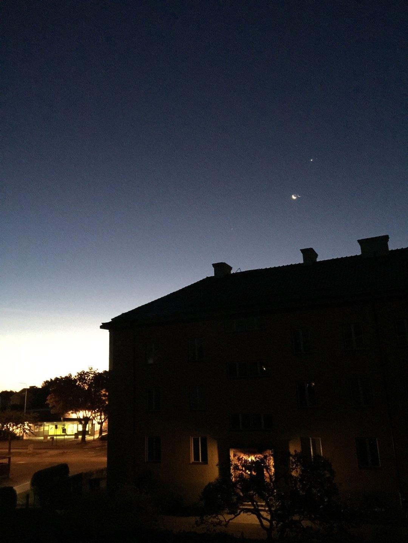 sunrise-moon-venus-home