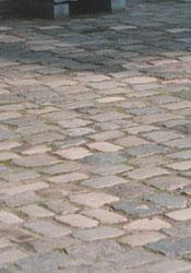 Belstone SPRL basalt bloembak breuksteen gevel