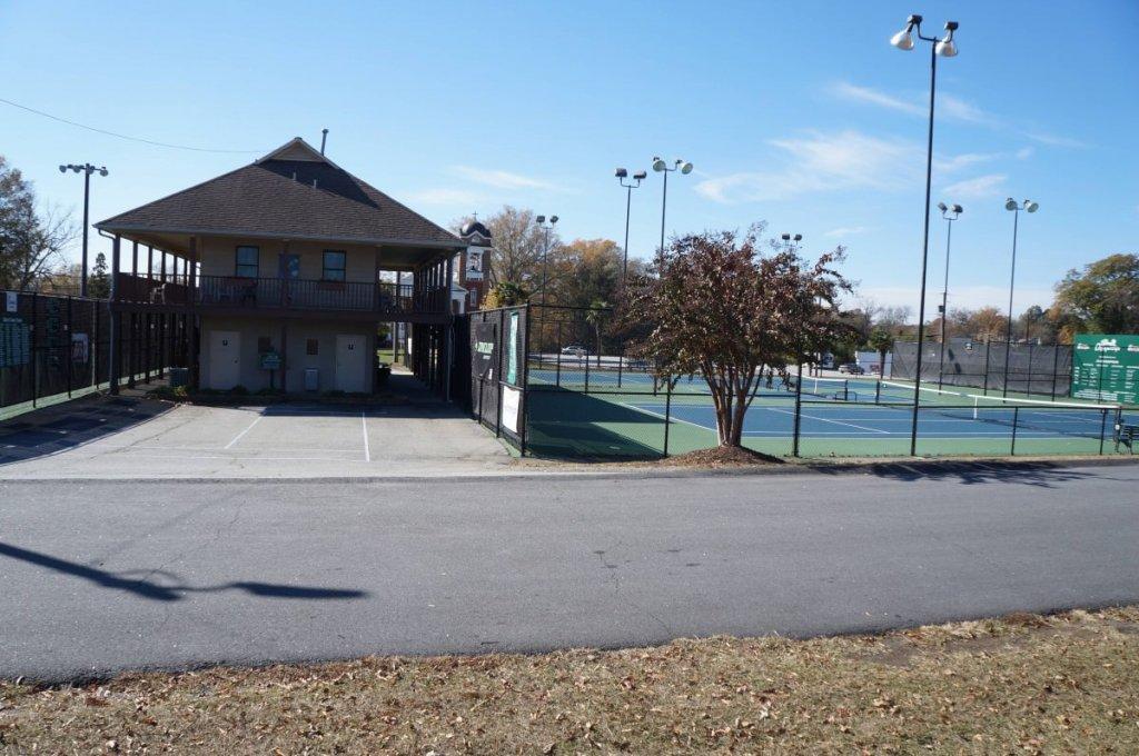 Belton Tennis Center clubhouse