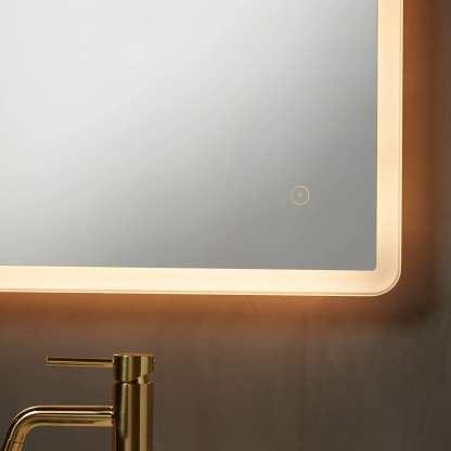 Sienna baderomsspeil med 29W LED-lys med lysdimmer 600 x 800mm   Belysning.online
