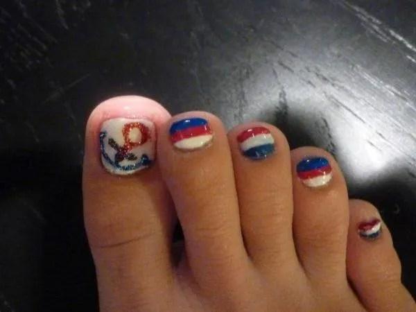decorar-uñas-pies-verano-2014-uñas-detalles-marineros