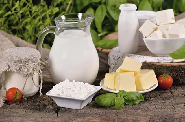 Devido a presença de gordura no leite e seus derivados é que eles causam o mau hálito