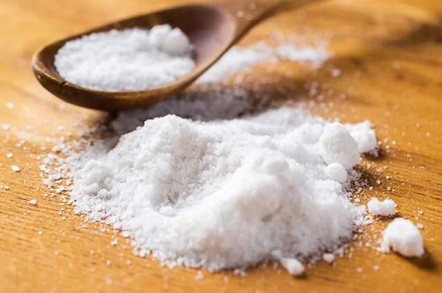 O sal é um dos alimentos que causam espinhas