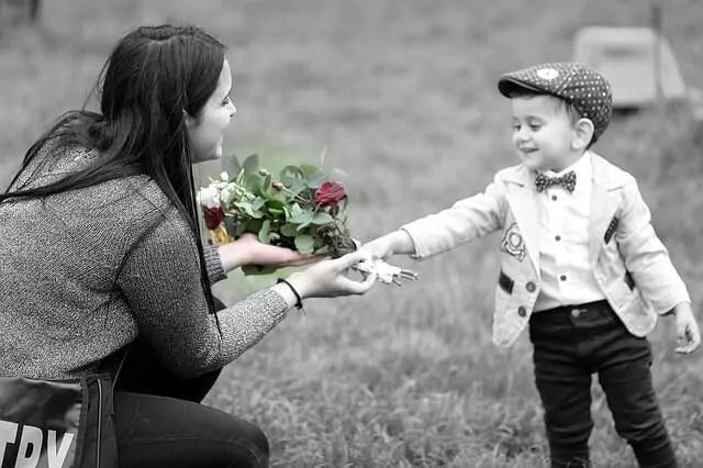 Amar seus filhos não é suficiente, eles devem se sentir amados