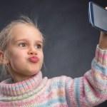 Evite criar uma criança narcisista com esses 6 passos