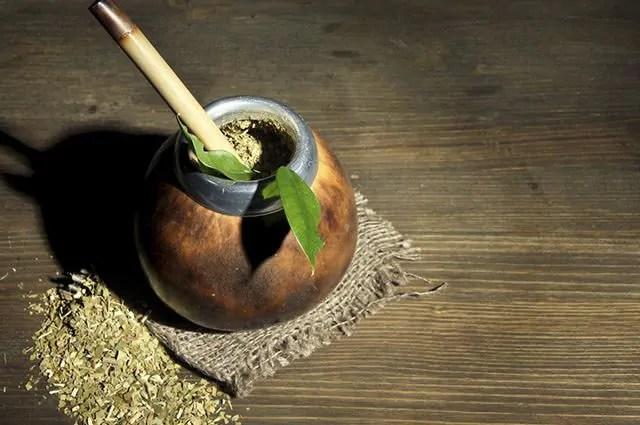 O chá mate é um dos chás que queimam calorias