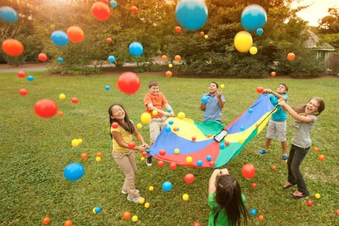 Brincadeiras com crianças