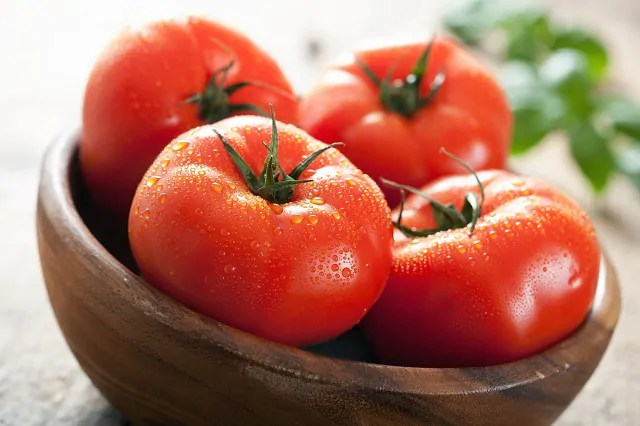 Tomates na tigela