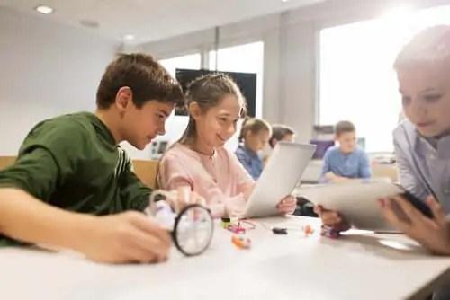 aumentar-a-criatividade-com-a-tecnologia-procurando-as-distracoes-corretas 3 maneiras que você pode cultivar a sua criatividade com a tecnologia