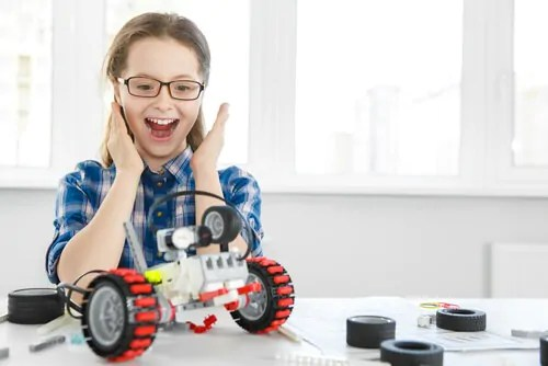 conhecendo-o-cerebro-das-criancas-superdotadas Adolescente talentoso