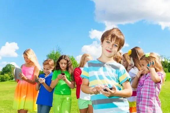 Melhor idade para a criança começar a usar as redes sociais
