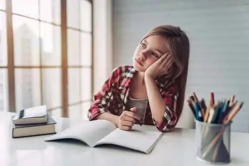 Crianças que vão dormir tarde sofrem mais transtornos