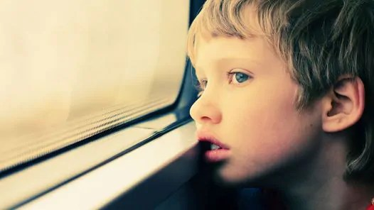 uma-reflexao-sobre-as-criancas-com-autismo-que-vai-abrir-seus-olhos O jogo é simbólico para crianças com autismo