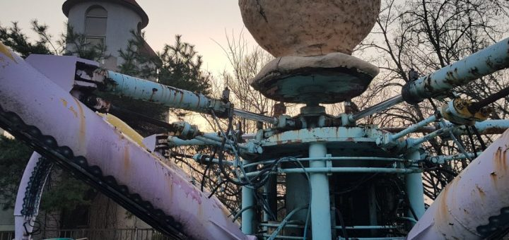 unique things to do in Seoul abandoned theme park yongma land