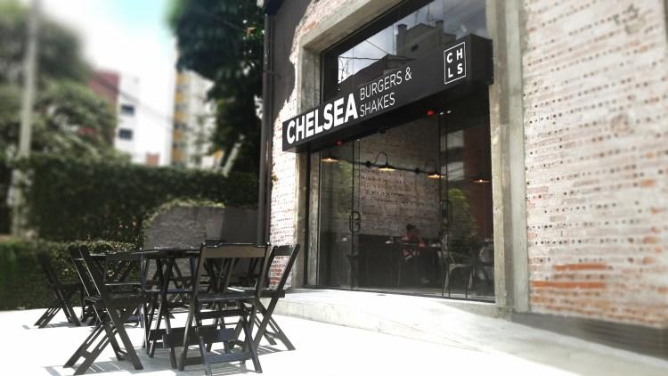 Chelsea Cafe agora é Chelsea Burgers & Shakes