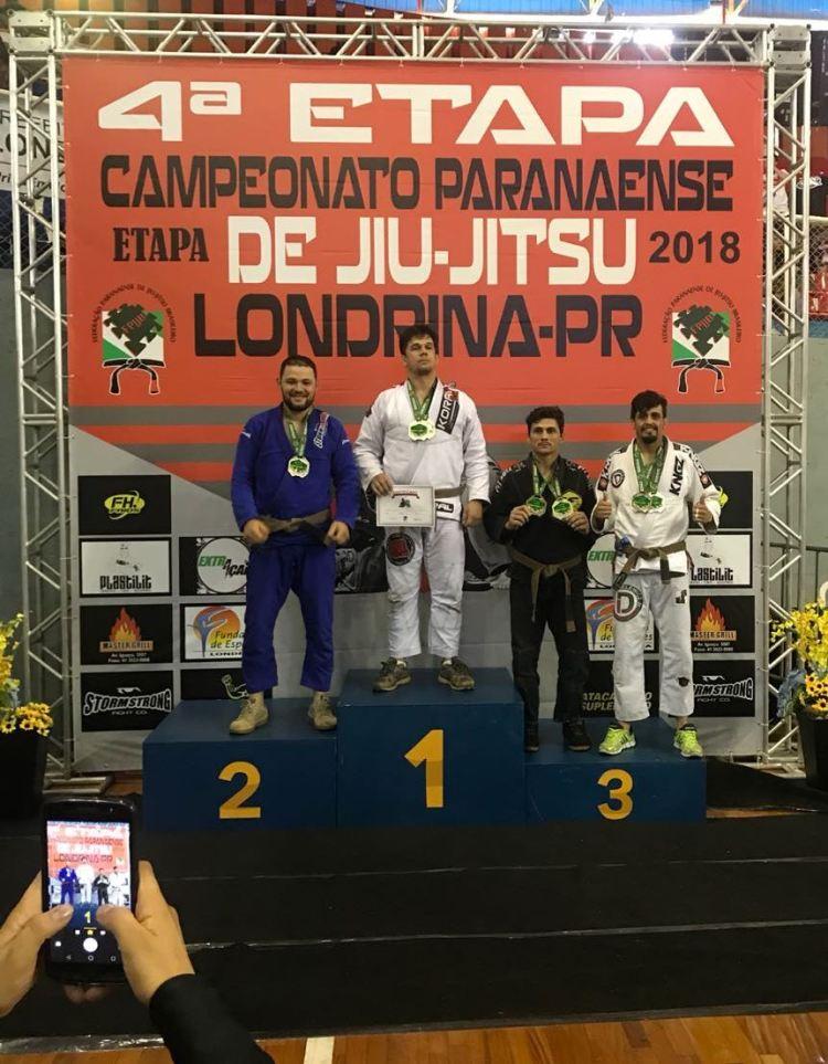 Atleta paranaense reúne medalhas do Campeonato de Jiu-jitsu do Estado