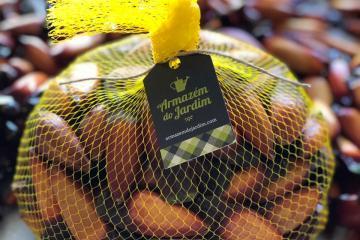 Época de pinhão: loja do Shopping Mueller entrega em casa a semente típica da estação