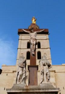 Jésus sur sa croix.