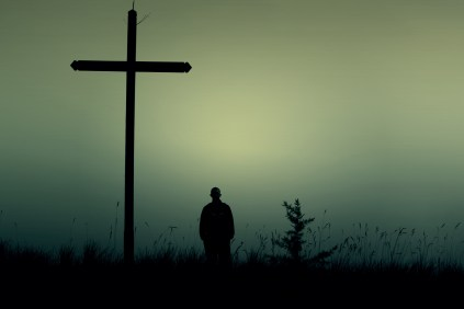Quand la nuit tombe, religion ou non, l'homme est aveugle.