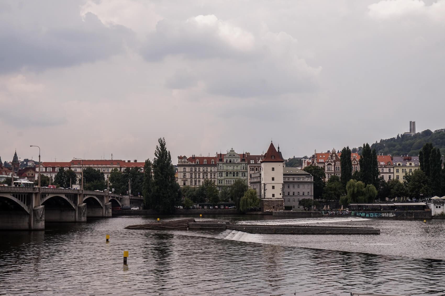 BMMA-blog-visiter-Prague-quai-Masaryk