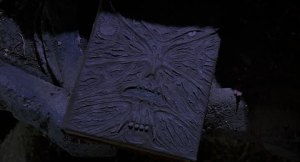 Necronomicón con piel humana