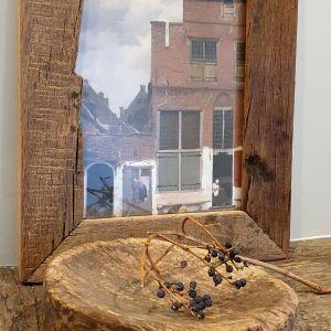 oud houten schaaltje om een amberblokje in te leggen