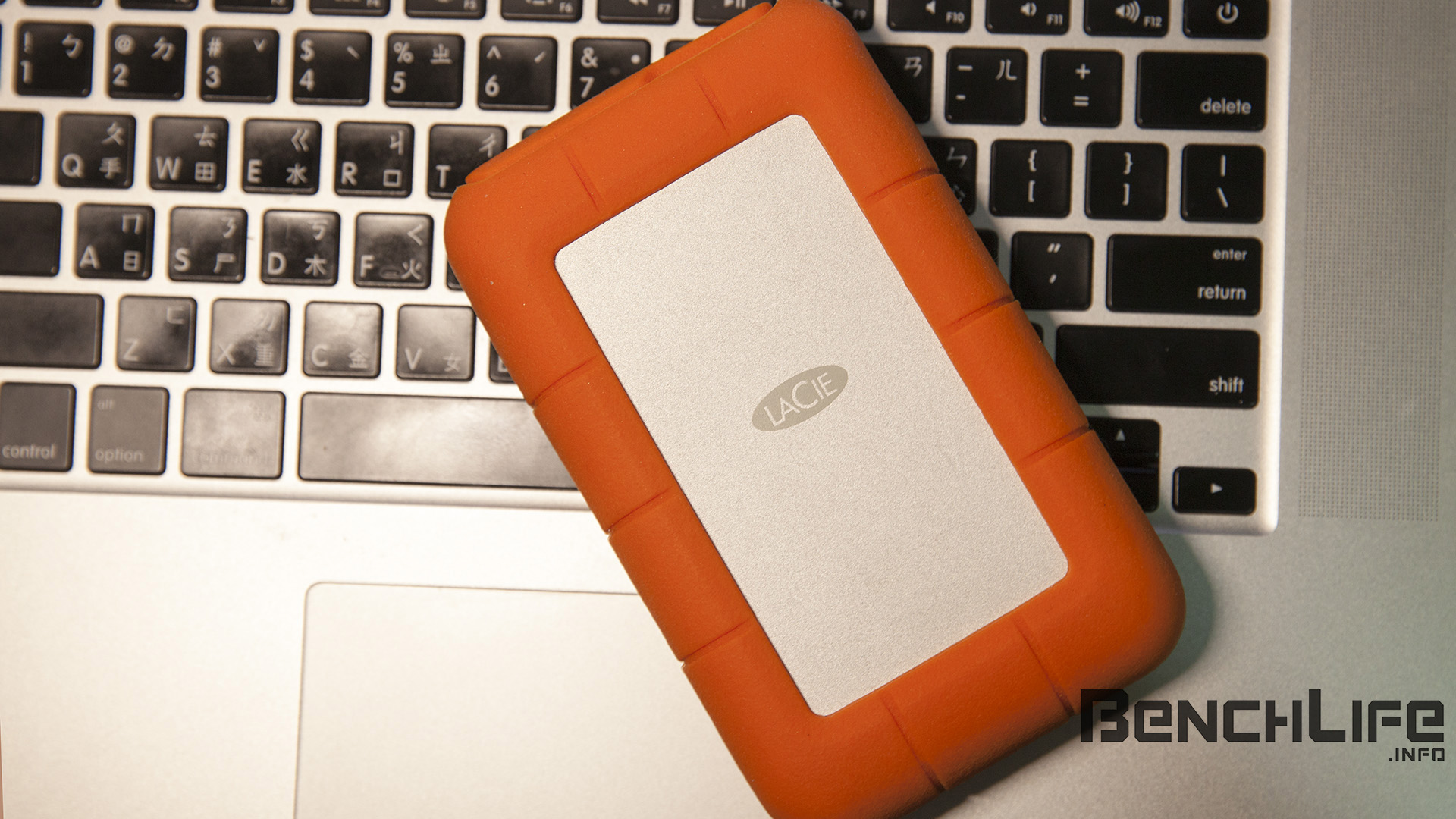 Thunderbolt 2 與 USB 3.0,LaCie Rugged RAID 4TB 2.5 吋外接硬碟測試