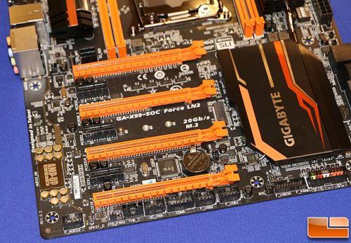 Gigabyte deja ver su nueva placa X99 SOC Force LN2 con socket 2011-3 modificado