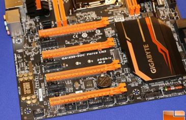 Gigabyte-GA-X99-SOC-Force-LN2-2-BH