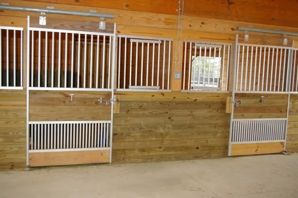horse stall kits - aluminum horse stalls - IMGP1491
