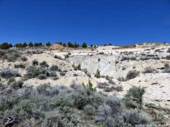 Cinnabar mine at Glass Buttes, OR 1May2018