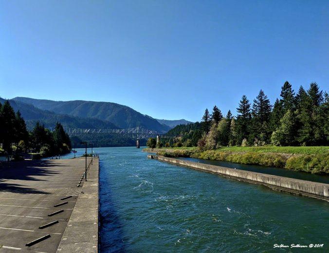 Looking west towards the Bridge of the Gods, Oregon 11October2019