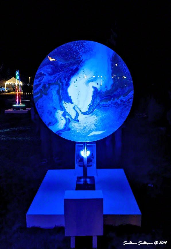 Round light sculpture at Oregon WinterFest February 2020