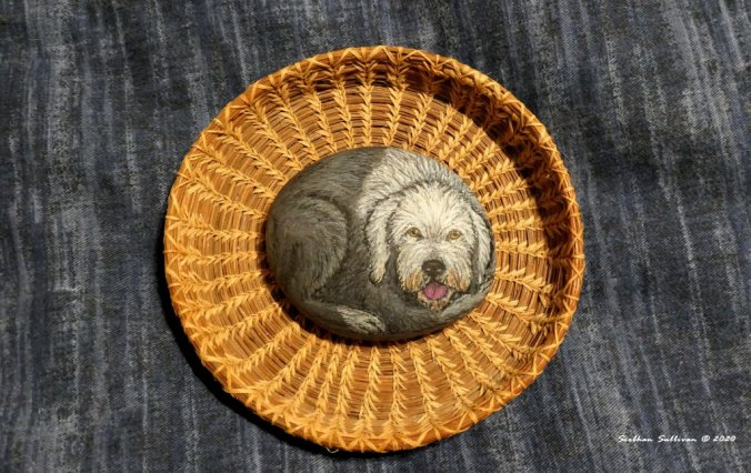 Sheepdog & pine basket