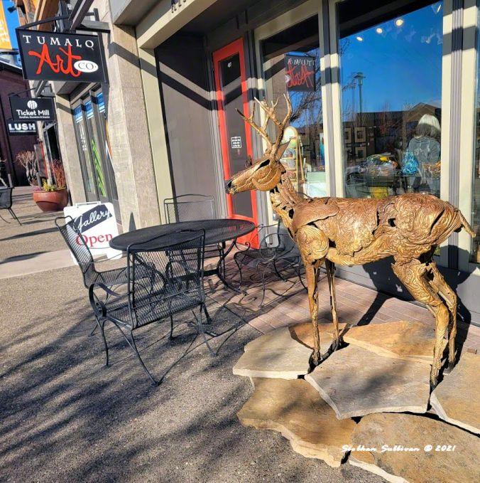 Homeward Bound sculpture in Bend, Oregon