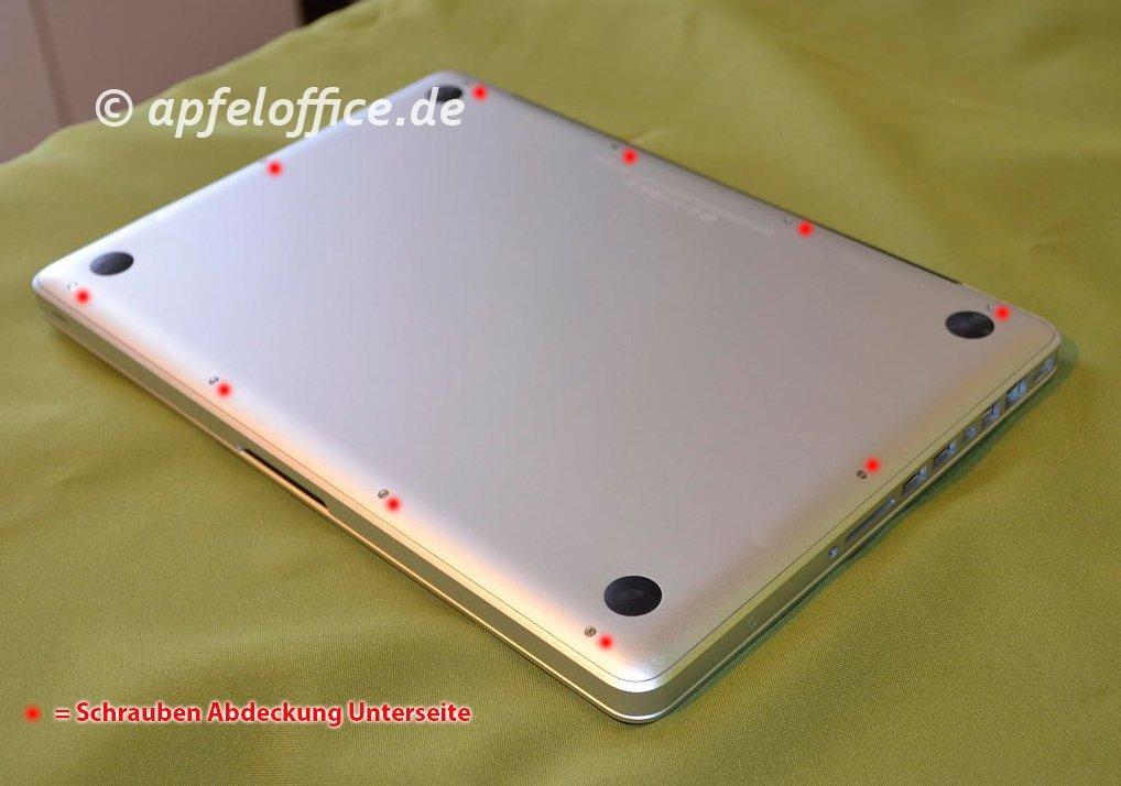 10 Schrauben am Boden des Macbook Pro muss man lösen, bevor man den Deckel abheben kann