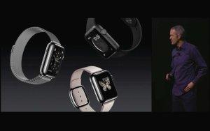 Apple Watch Entwicklungschef zeigt die neuen Einstiegsmodelle 2015. Quelle: Apple