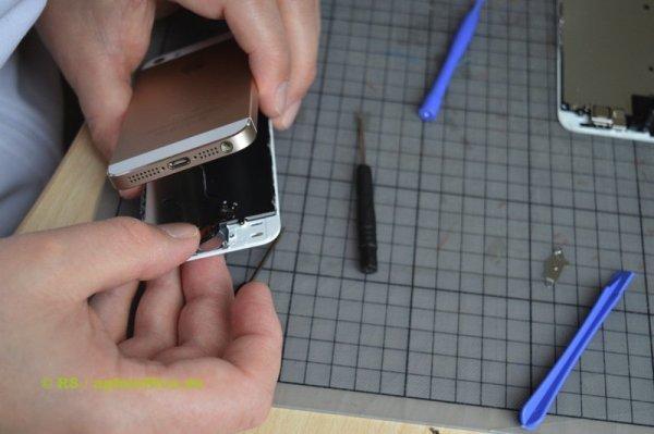 Home Button im neuen iPhone Display einpassen
